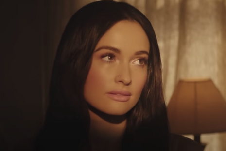 Grammy Winner Kacey Musgraves Calls Voting for Trump an 'Act of Violence'