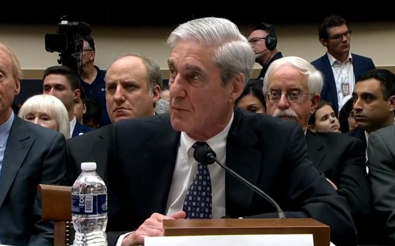GOP Senator Questions Whether Mueller Team Cell Phone Deletions Were 'Widespread Intentional Effort'