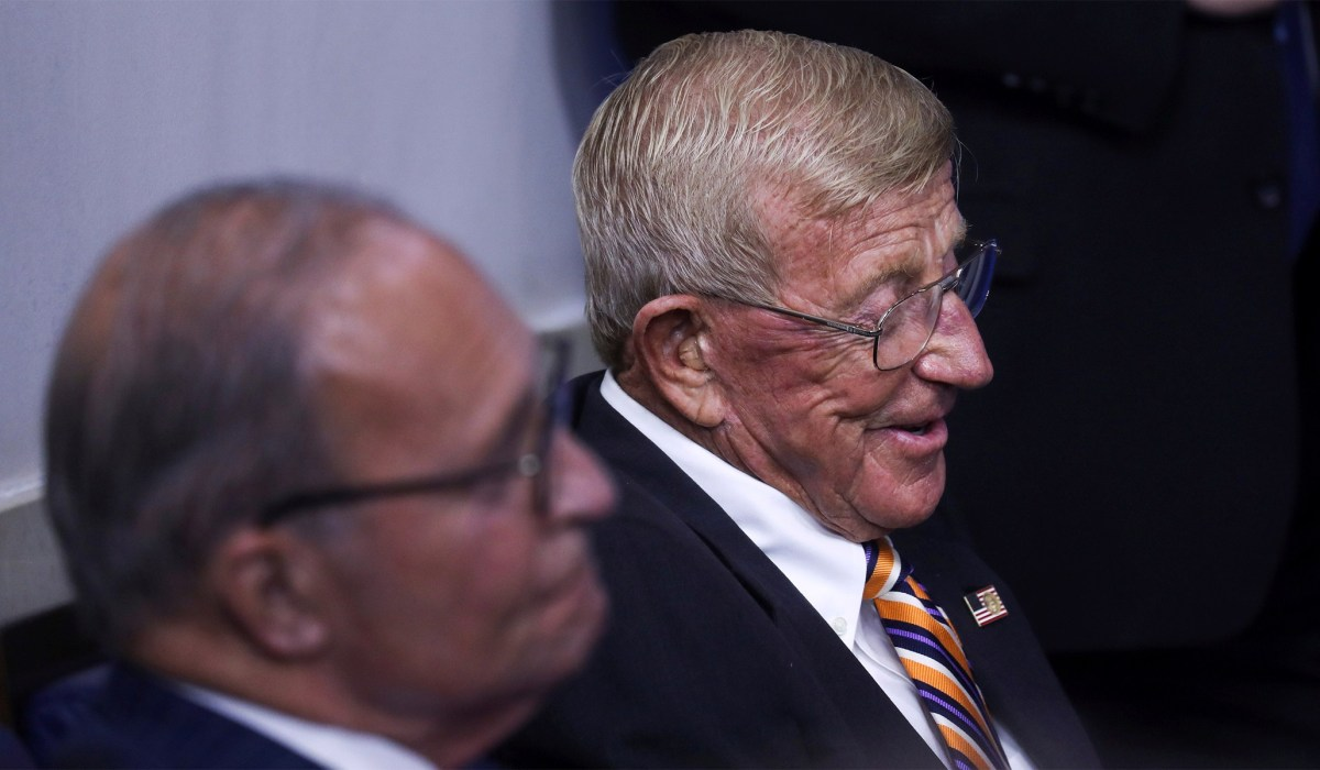 Lou Holtz: Notre Dame Football Coach to Receive Presidential Medal of Freedom