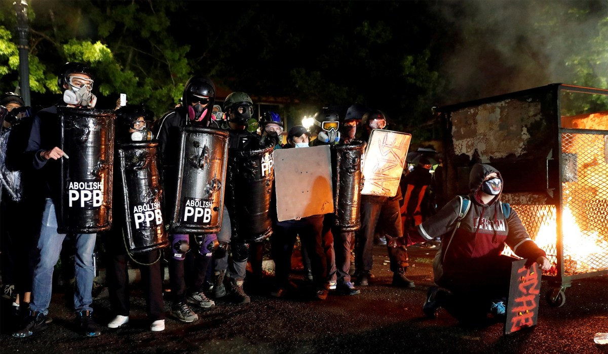 Riots in Portland: Riot Declared after Mob Shows Up at Mayor Wheeler's Residence