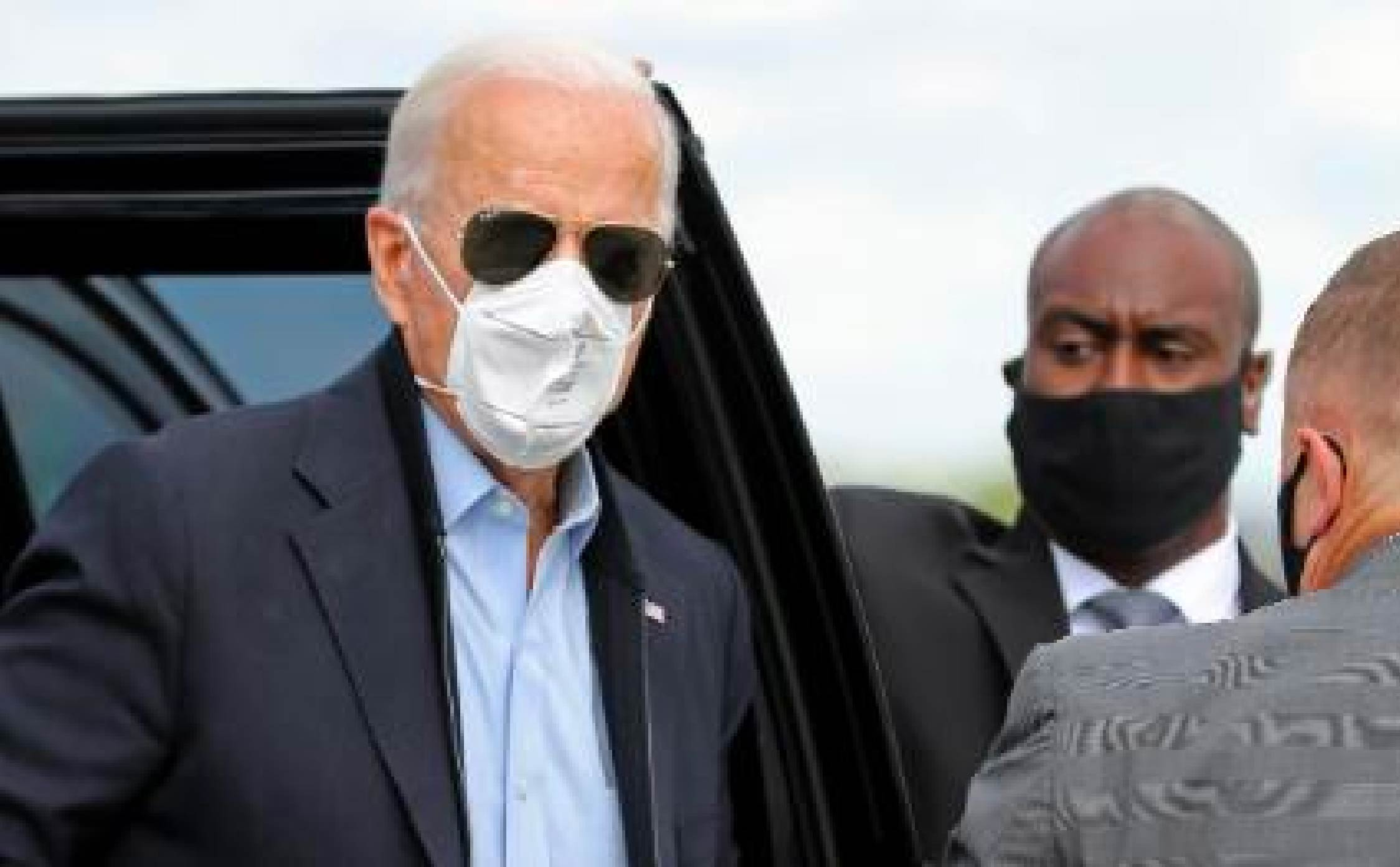 """Picture of Joe Biden in Grand Rapids Michigan Goes """"Viral"""" For All the Wrong Reasons"""