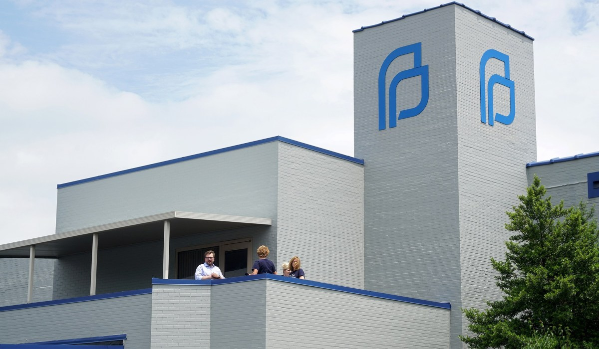 Planned Parenthood Defunding: How Trump Can
