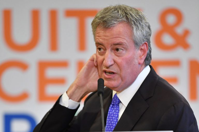 Photo of Mayor De Blasio Says People Should Avoid 'Big Meals Together' Just Before Thanksgiving