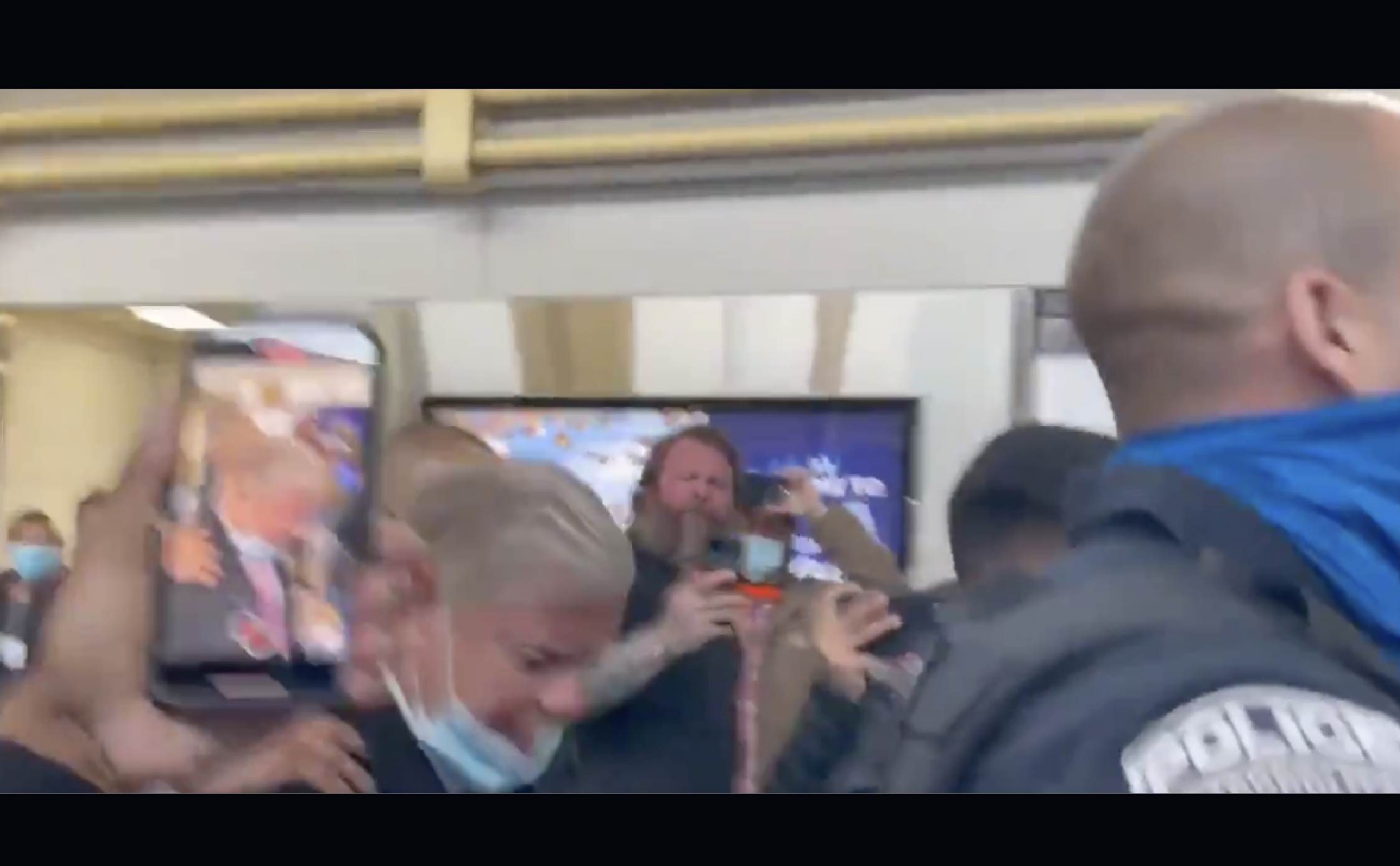 """[VIDEO] Angry Voters Mob Lindsey Graham, Police Forced to """"Escort"""" Him Through DC Airport"""