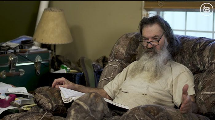 """[VIDEO] Phil Robertson Reminds Everyone That American Gun Owners Are """"Largest Army in The World"""""""