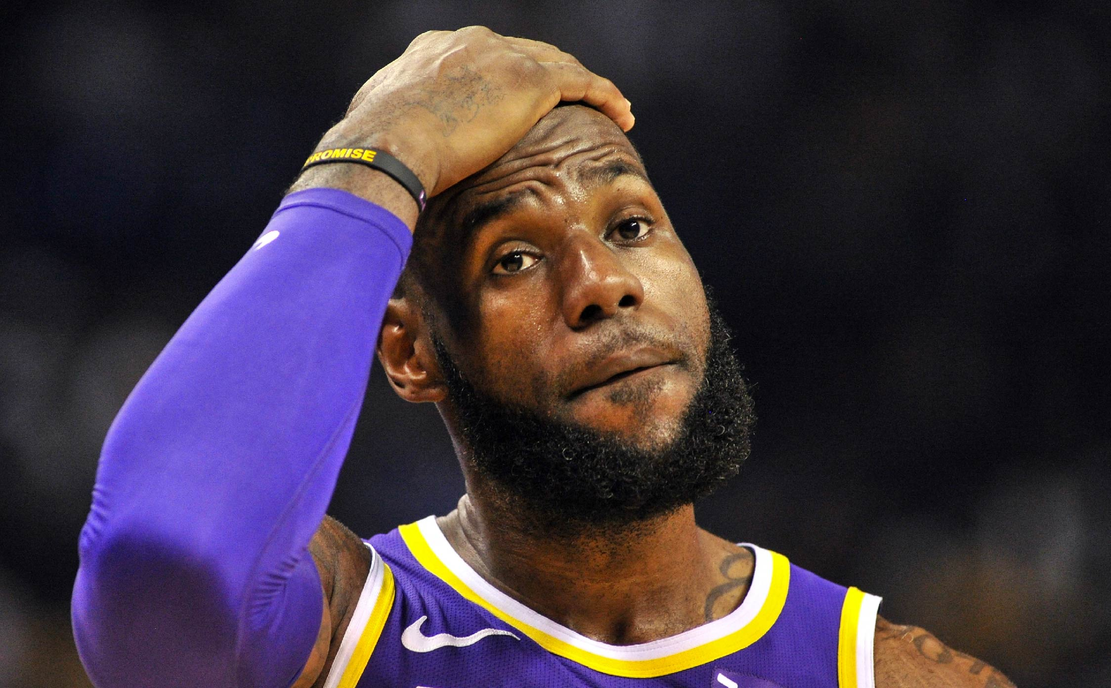 """LeBron James Issues Idiotic Statement After He Deletes His """"Threatening"""" Tweet"""