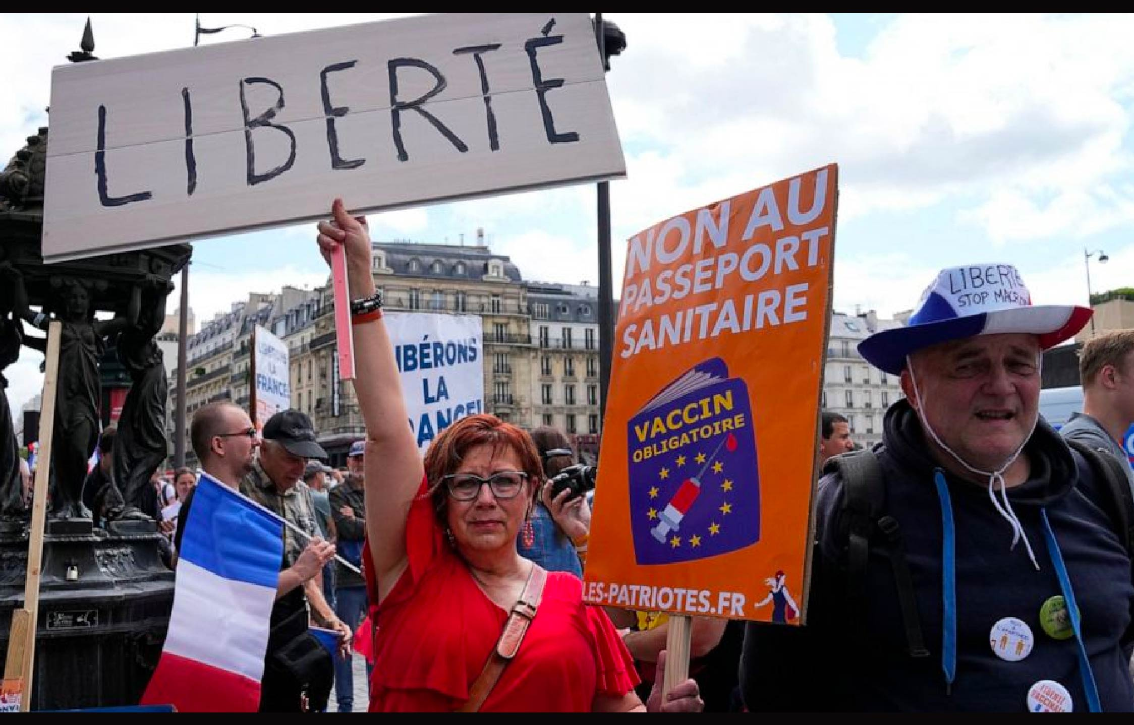 French Protesters Show Their Hatred of Joe Biden With Damning Image