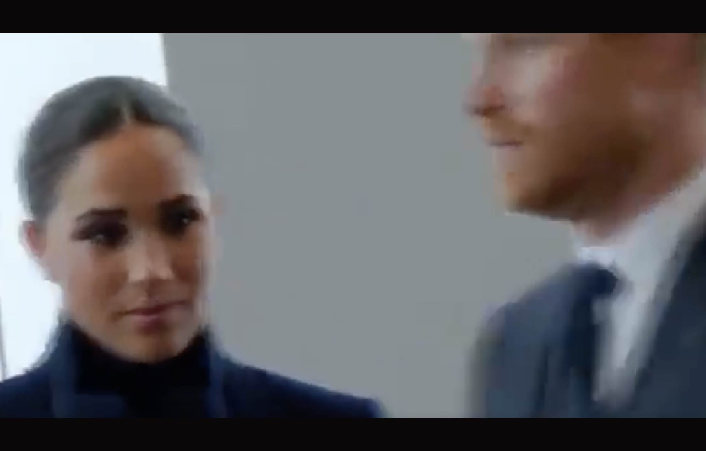 """[VIDEO] Harry And Meghan Get Caught With Their """"Pants Down"""" by a Rolling Camera"""