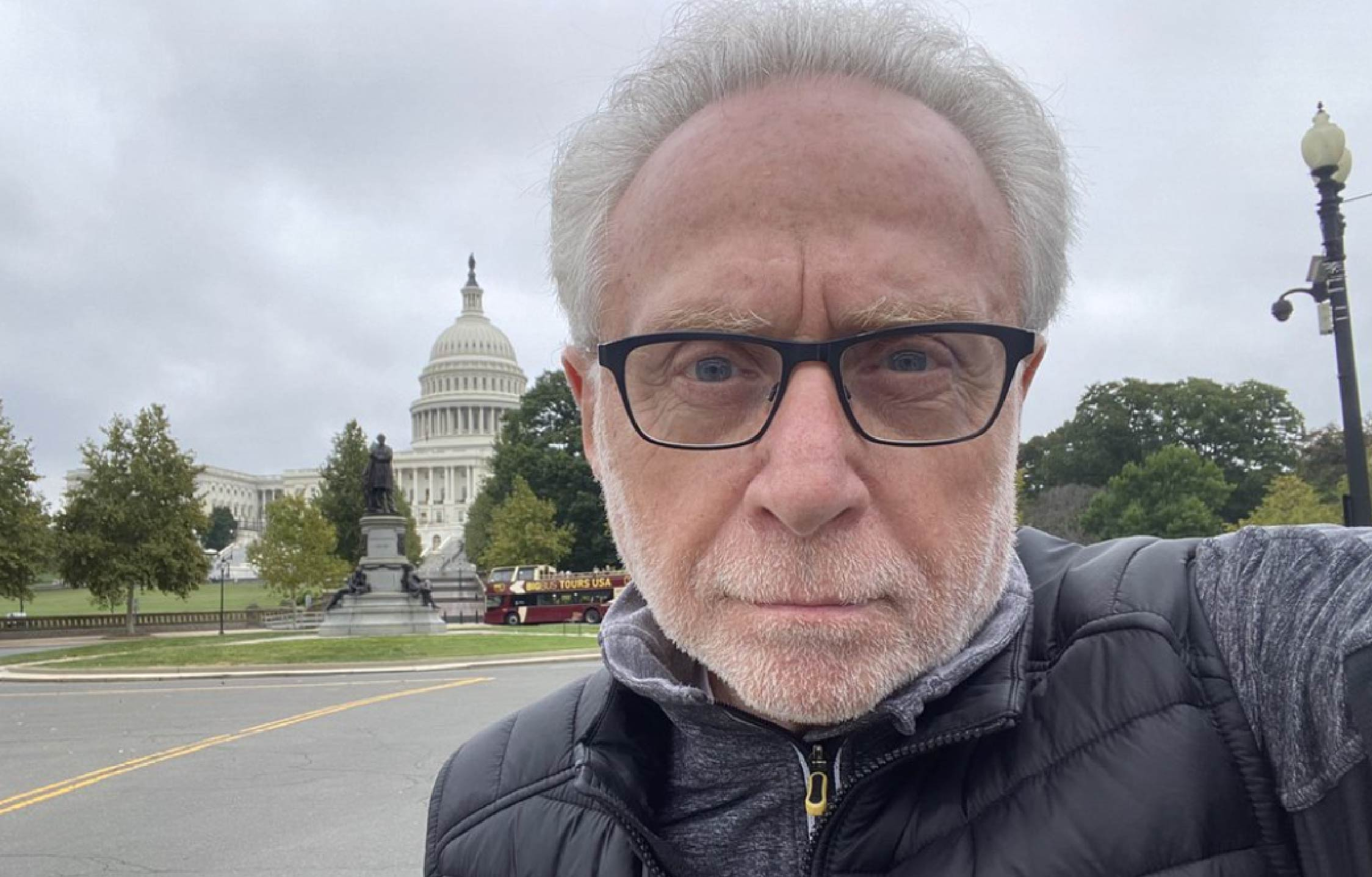 """CNN's Wolf Blitzer Savagely Mocked For Ridiculous """"Selfie"""" Marking The 9 Month Anniversary of Jan 6th"""